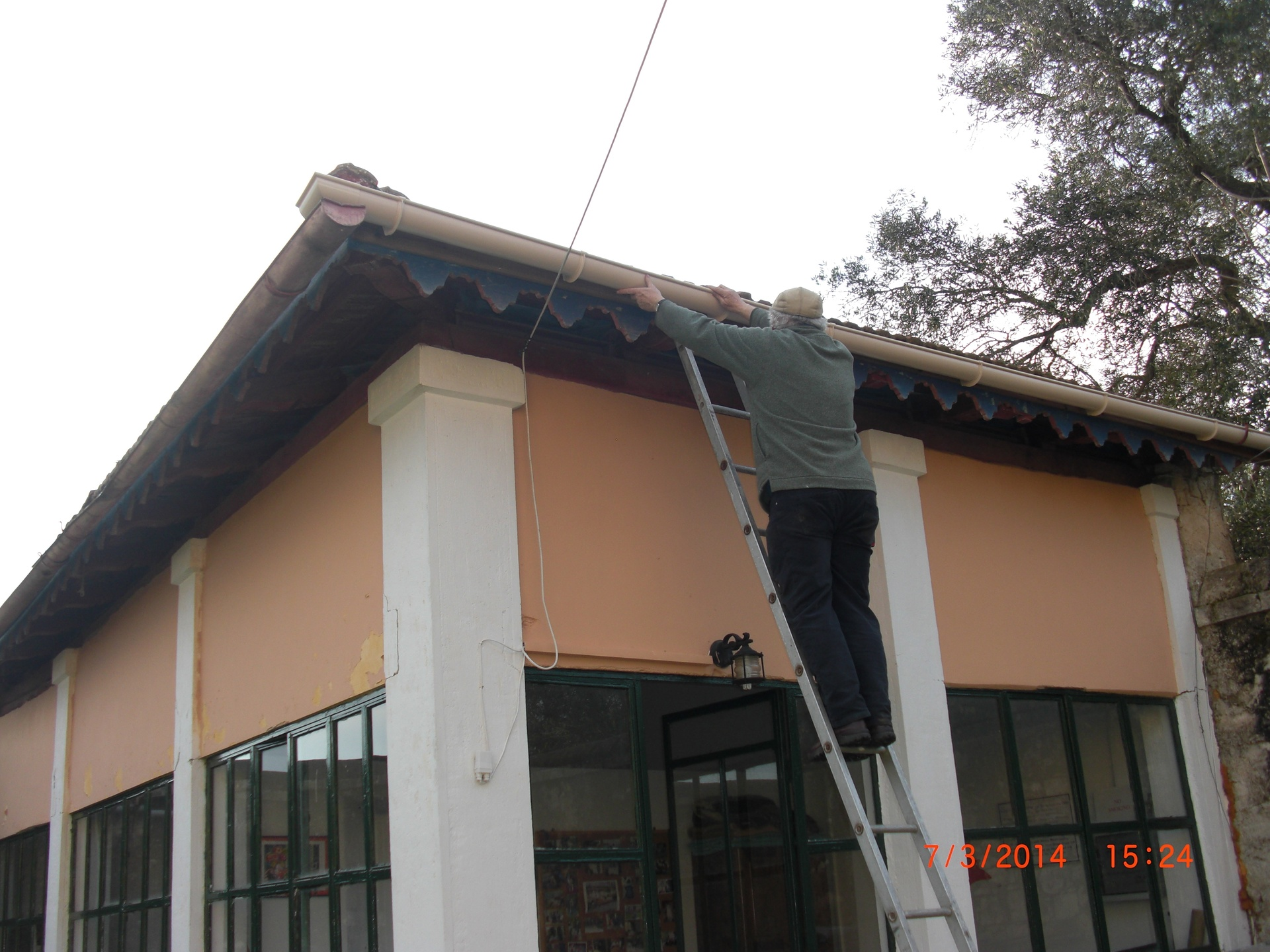 Rod repairing the guttering